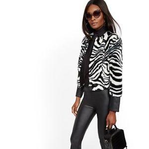 🗽NY & Co. 🙌🏼 Zebra🦓 faux fur PUjacket NWT 💯%